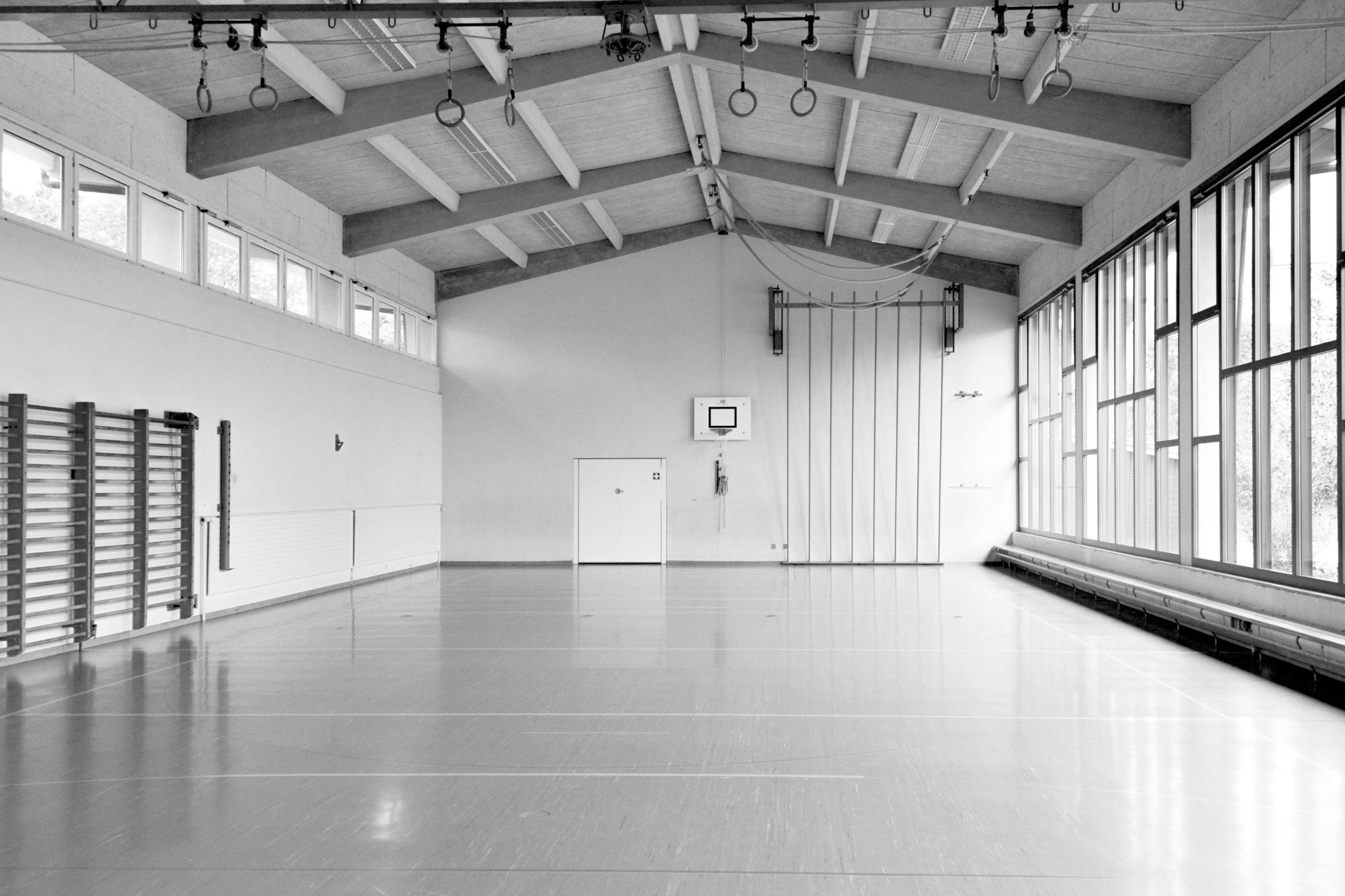 STUDIO CORNEL STAEHELI Schulraumerweiterung und Neubau Doppelturnhalle SH Kastels Bestand